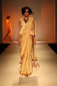 nikasha-designer-india-fashion-week2015-1