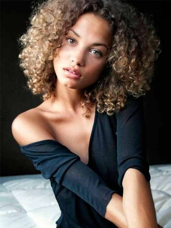 Cheveux Long Afro Femme Coiffures Populaires